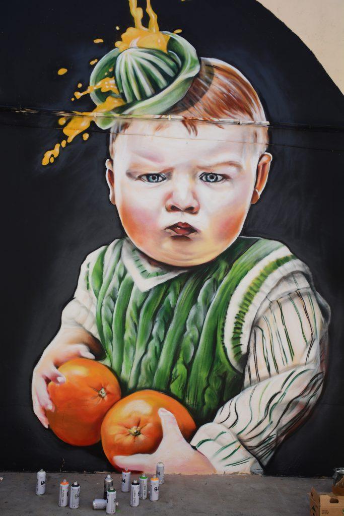 Sabotaje al Montaje Lily Brik, arte urbano