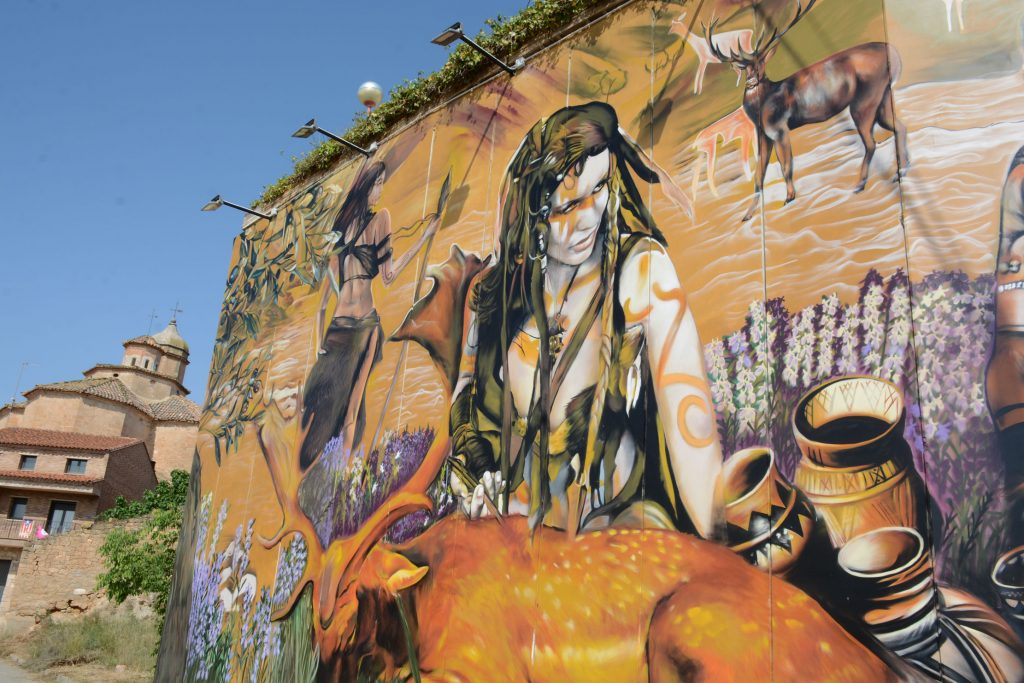 Arte urbano de Lily Brik en El Cogul