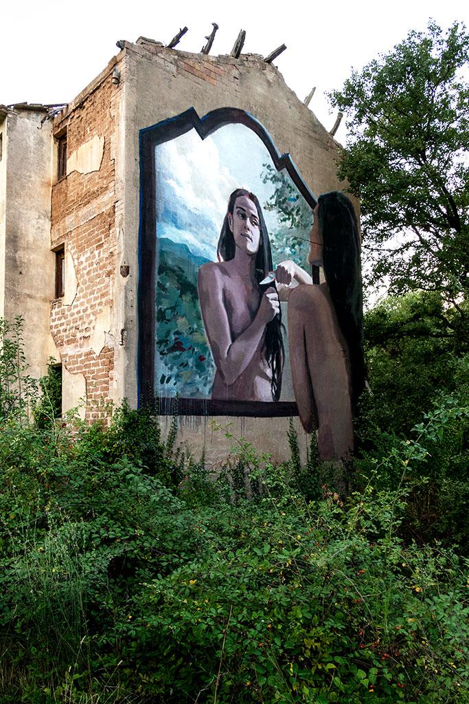 Arte mural de Jofre Oliveras y Marina Solà